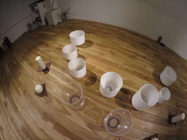 クリスタルボウル 日本橋のStudio SHANTI201にて