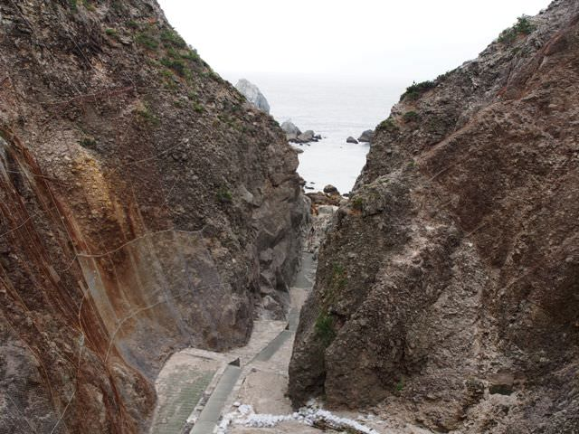 地鉈温泉への道